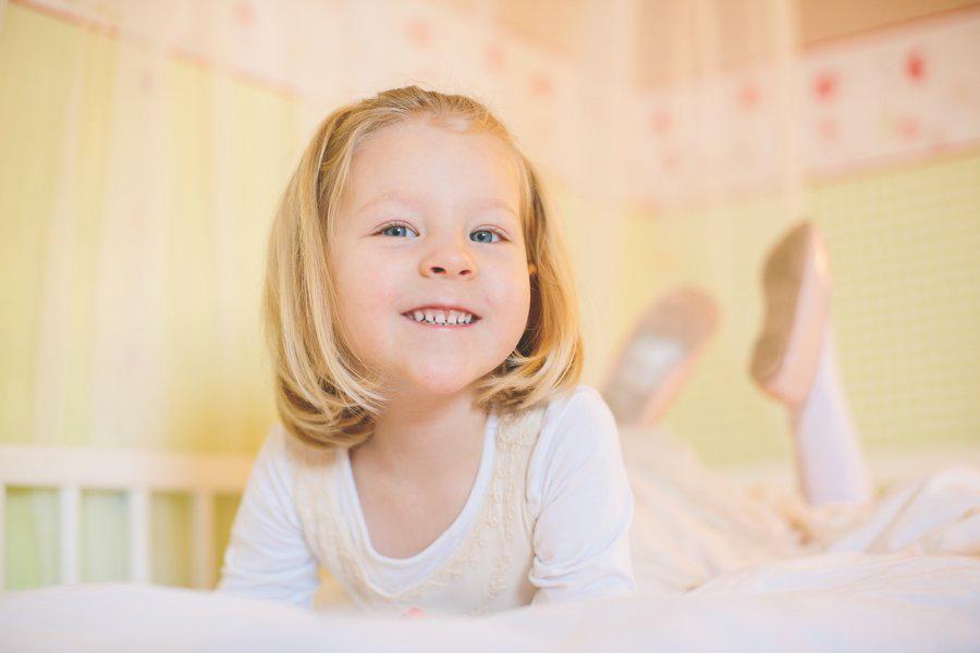 familienfotos, ketsch, neugeborenenfotos, babyfotos, kinder, baby, neugeboren, zu hause, natuerlich, entspannt, fotografie, portraits, authentisch, ehrlich