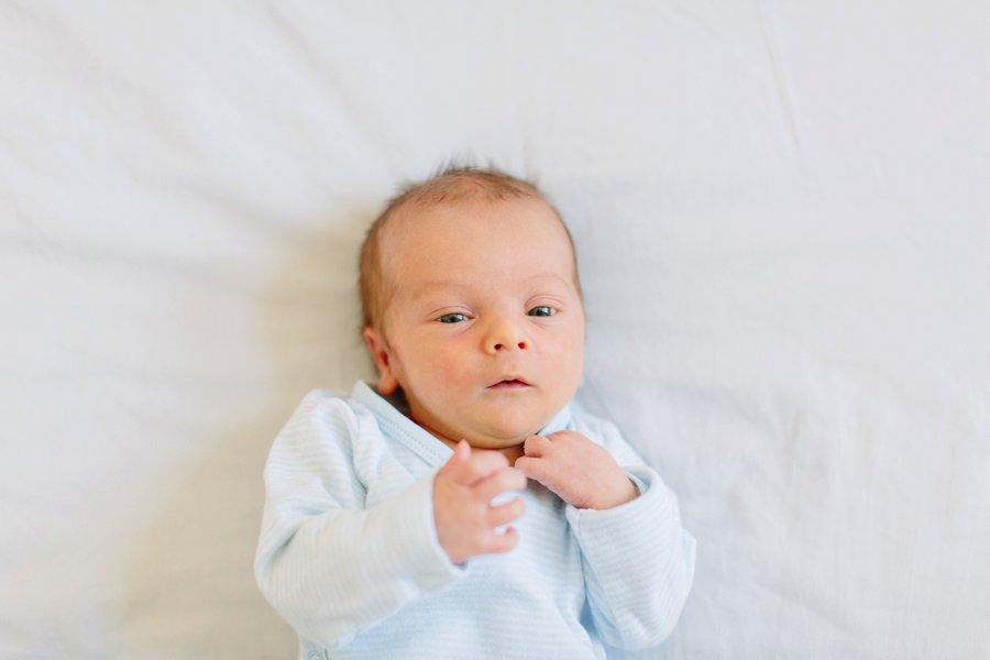 babybilder, babyfotos, neugeborenenfotos, neugeborenenbilder, neugeborenes, baby, fotografin, fotos, natuerlich, entspannt, zu hause, ruhig, simpel, schlicht, kreativ, heidelberg