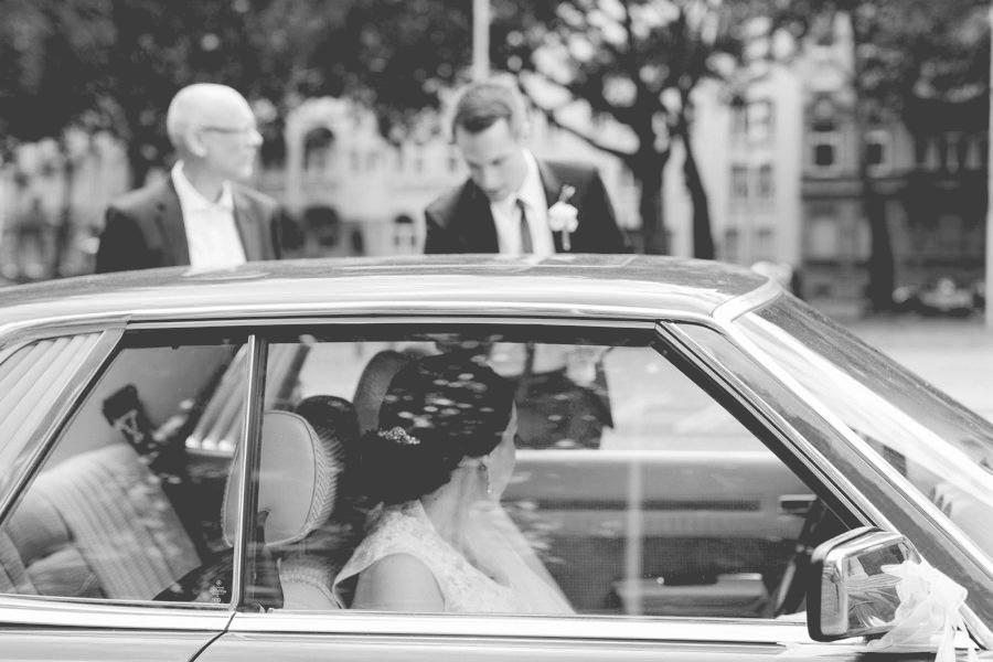 hochzeitsfotograf, hochzeitsfotografin, hochzeitsfotos, hochzeitsbilder, hochzeitsreportage, mannheim, großkarlbach, pfalz, gebrüder meurer, toskanischer garten, heiraten mit eleganz, heiraten mit stil, spitze, elegant, hollywood, natur, aline lange FOTOGRAFIE