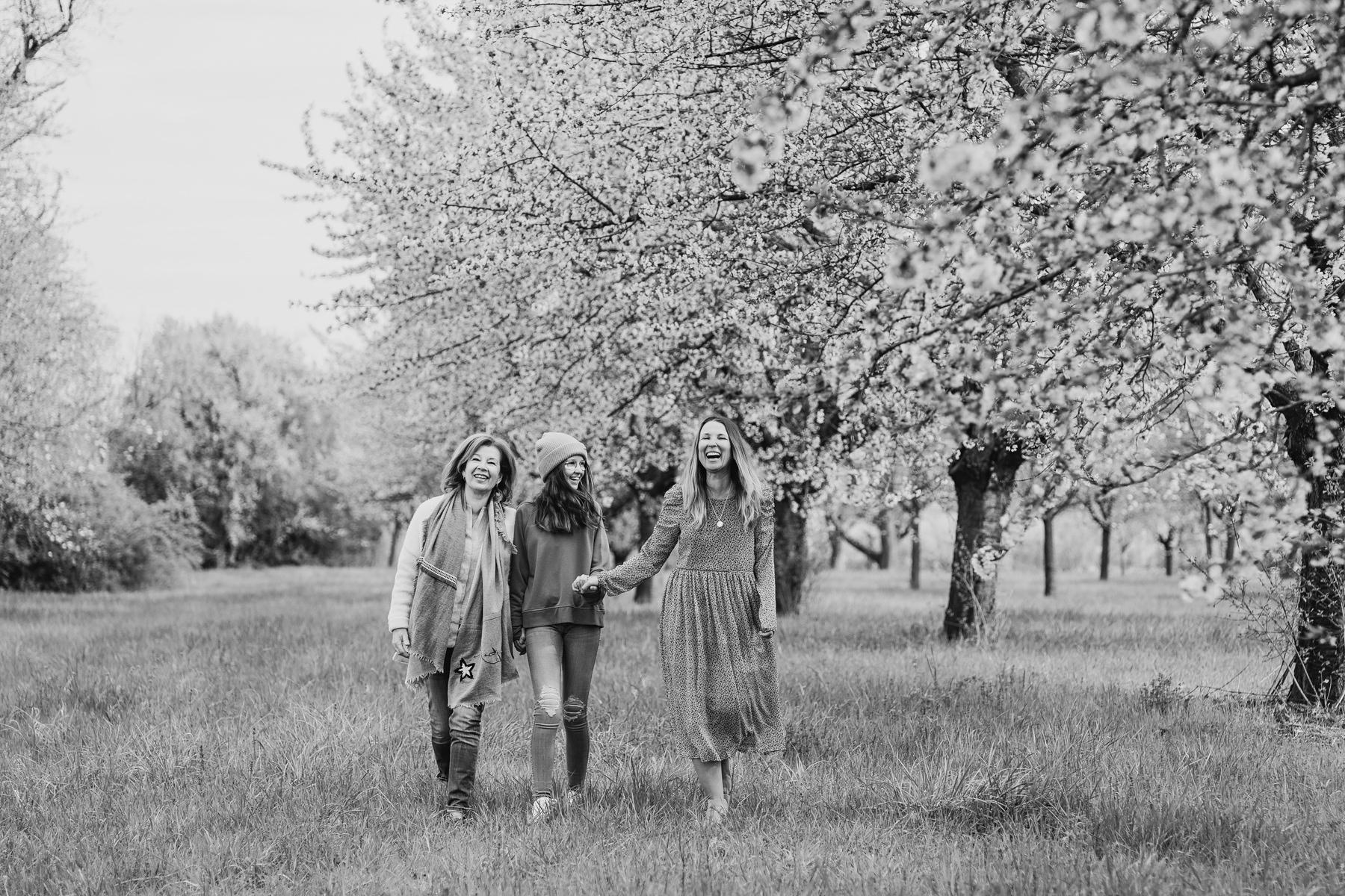 drei Generationen Familienfoto bei Rauenberg